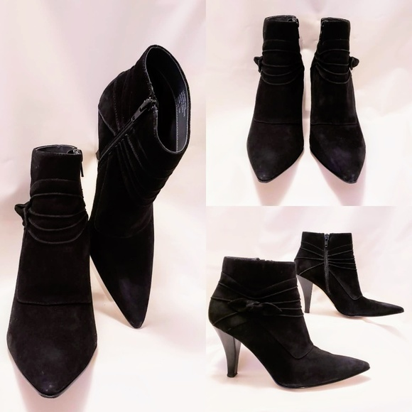 Sam & Libby Shoes - Sam & Libby Black Suede Philipa Booties 7M🦄💋